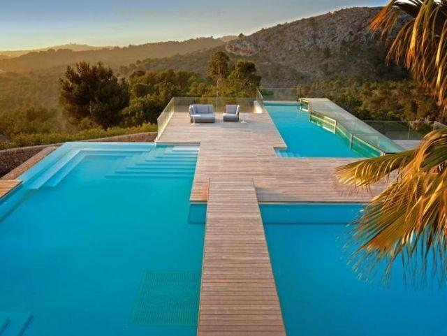 luxuriöse ferienanlage-panoramablick Außenpools-Deck Spa-Bereich