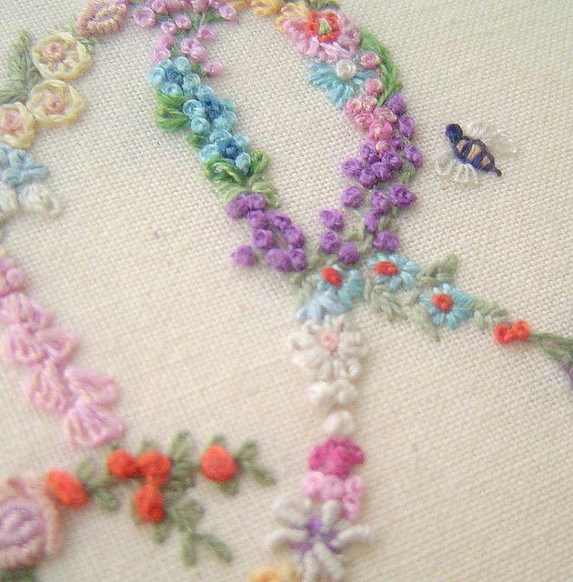 Embroideryletras en florecitas.