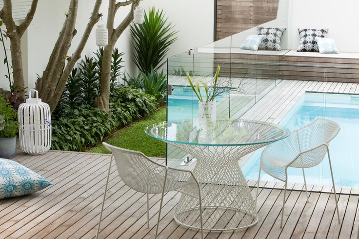 Love the frameless pool border with as little hardware as possible, love the timber colour