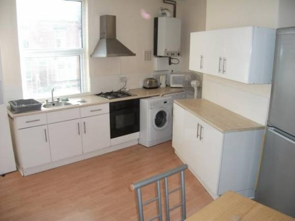 4 Bed student house - Student accommodation Leeds - Pads for Students