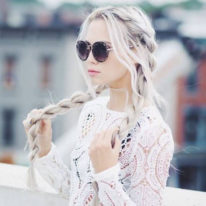 Cheveux attachés en tresses printemps-été 2016 - Cheveux attachés : 45 idées de coiffures chics ou décontractées - Elle