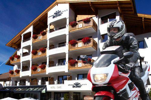 Motorradhotel Schwarzer Adler in Nauders