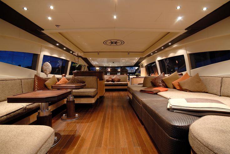Afbeeldingsresultaat voor interior motor yacht