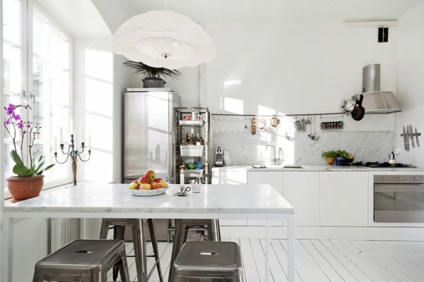 emmas designblogg - design and style from a scandinavian perspective.: Dreams Kitchens, Kitchens Inspiration, Emma Designblogg, Bedrooms Design, Architecture Interiors, Design Blog, My Scandinavian Home, Stainless Steel, White Kitchens