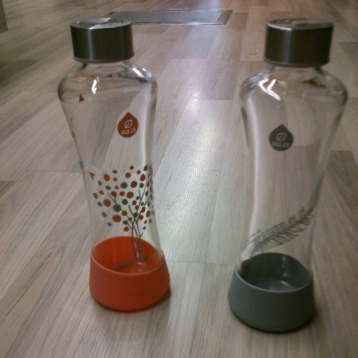Si no te gusta beber en botellas de plástico tienes botellas de cristal de 500ml con base de silicona para evitar golpes y deslizamientos. #equa #botellacristal #botellaequa #botellaecologica #botellarellenable #botellareutilizable #ampolla #ampollavidre #igercat #instamoment #beureaigua #beberagua