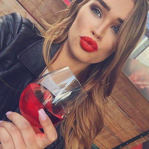 Image via We Heart It #beautiful #classy #girl #glamour #luxury #makeup #pretty #style