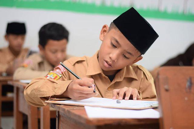 Ujian Akhir Sekolah Berstandar Nasional Uasbn Kelas 6 Mi Darunnajah 2 Cipining