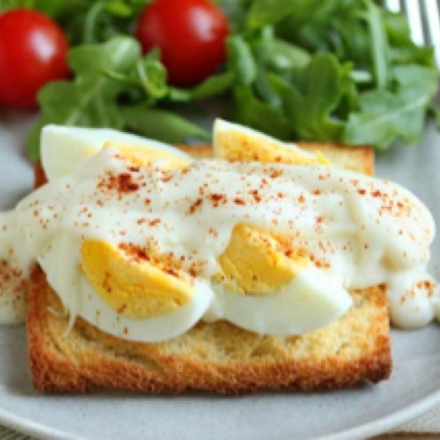 Healthy snacks for pregnancy.....................http://newhealthtip.com/pregnancy/health-good-snacks-for-pregnant-women.html