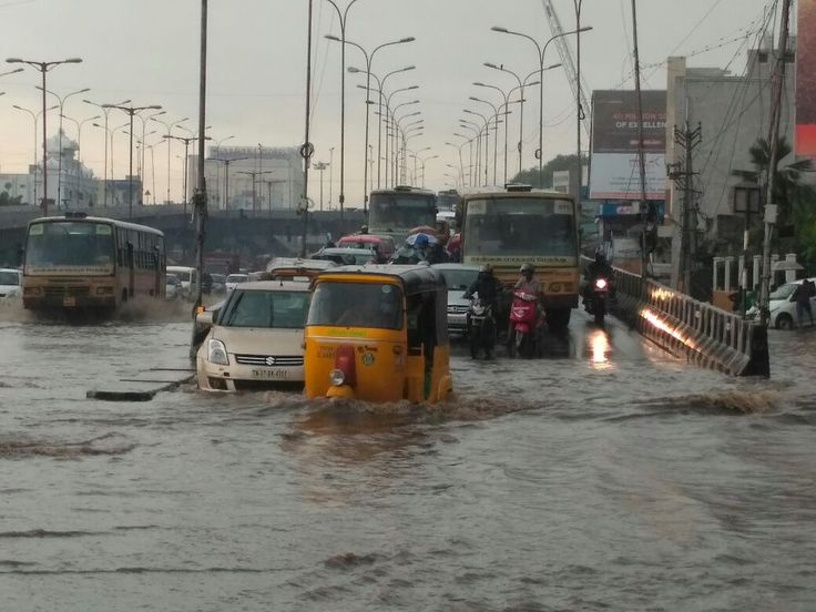 Due to continuous rain in Chennai from yesterday's night public suffered heavy traffic congestion to reach their destinations. #WeatherUpdates #ChennaiUngalKaiyil.
