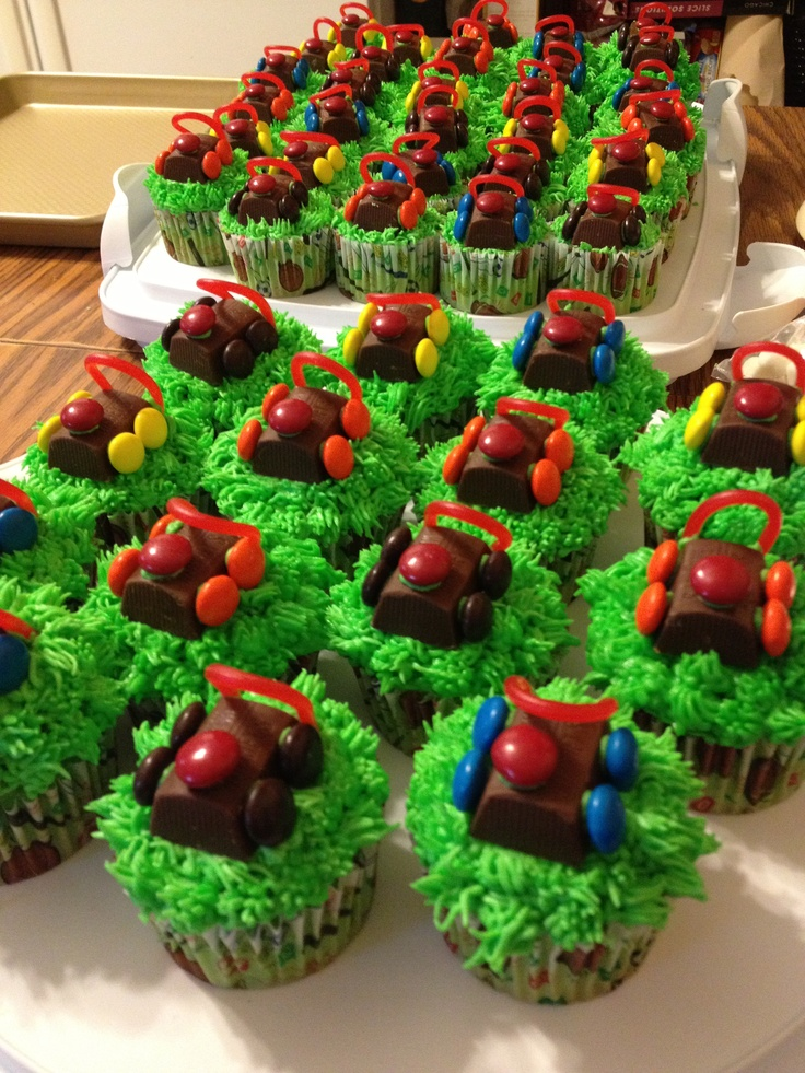 Lawn Mower Cupcakes for a 3 year olds birthday!
