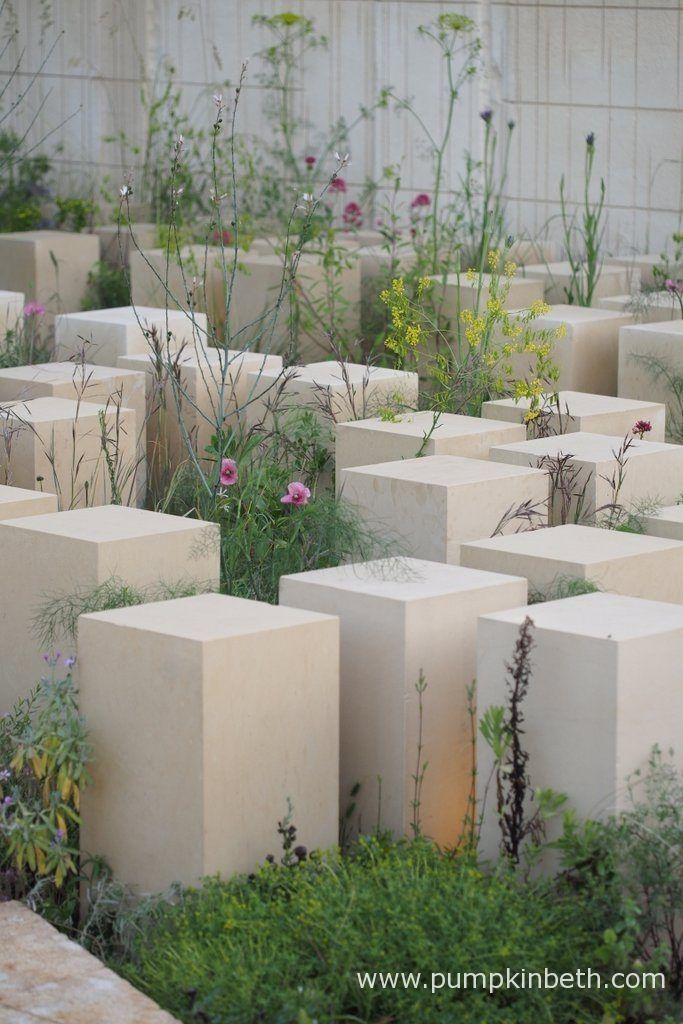 Crocus built the M&G Garden 2017 and supplied plants for this Show Garden which was awarded a Gold Medal, the Best Construction Award, and the prestigious title of Best In Show, by the RHS judges. James Basson designed the M&G Garden for the RHS Chelsea Flower Show 2017.
