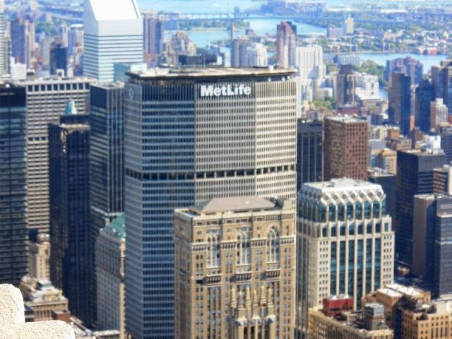 metlife building | The Metlife building is located in Grand Central ... On da way here!