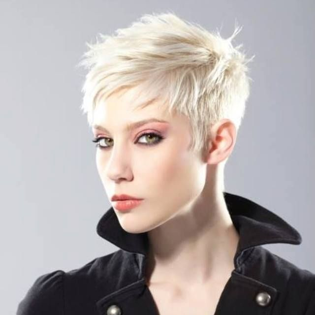 Short Hair Beauty — Platinum Pixie http://ift.tt/1YbDKkO
