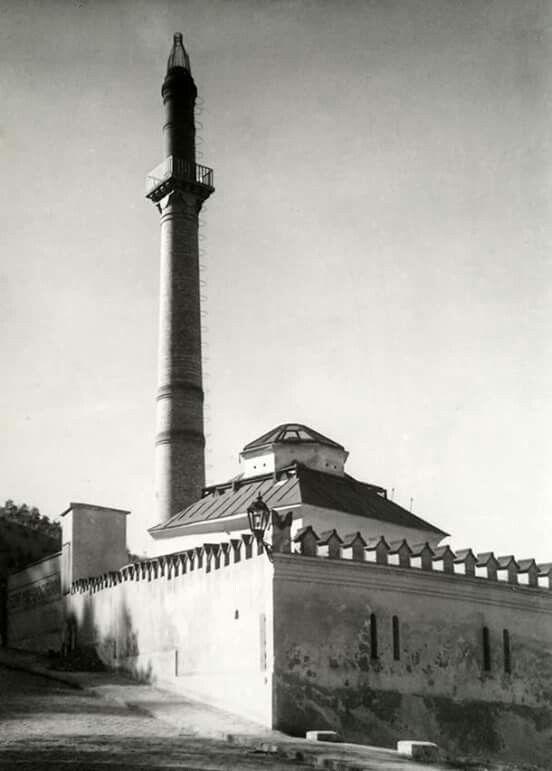 1931. Tabán, Hadnagy utca, Rác-fürdő (Kinszki Imre felvétele)