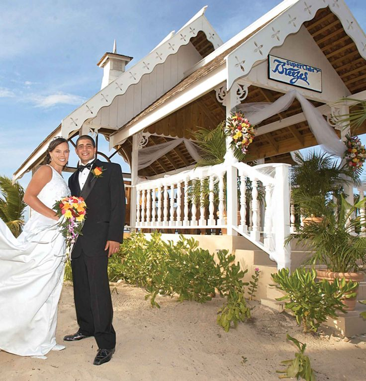 Resorts with Absolutely Gorgeous Wedding Chapels 42