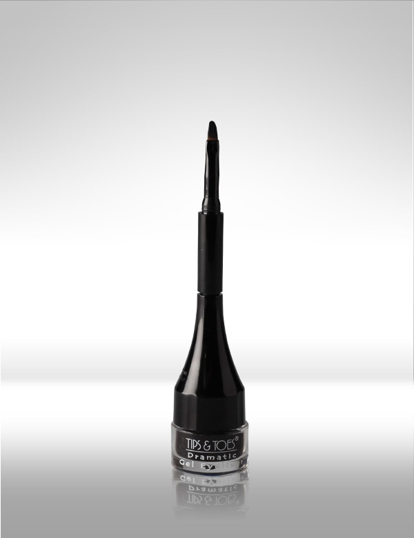 Dramatic Gel #Liner - This oil-free formula can hold highly concentrated pigments in a black gel base. It is Smudge-proof and Water-proof & completely Matte in application.          MRP Rs.225/-