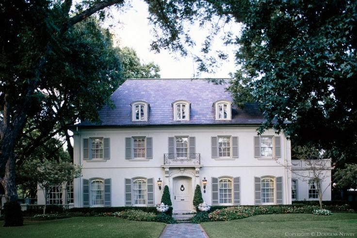 Best White House With Gray Shutters From The Outside Looking 400 x 300