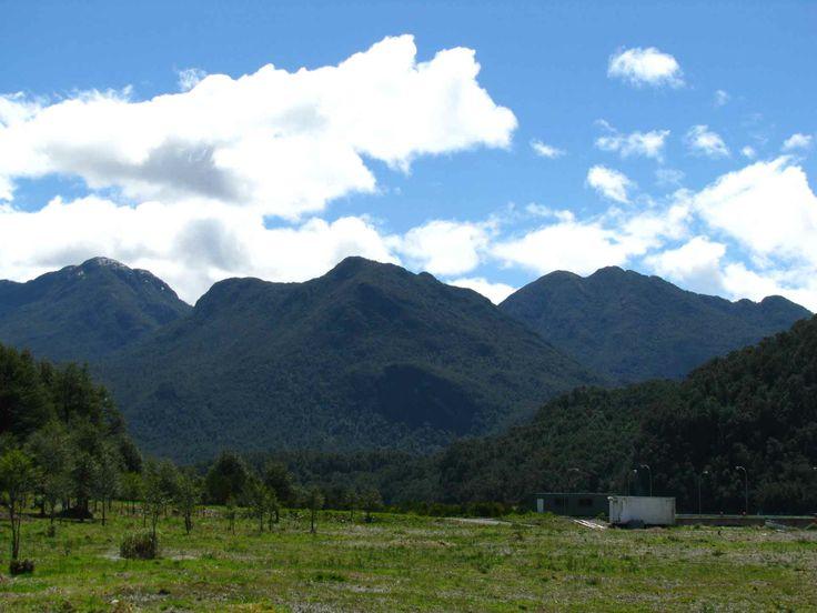 Cielo brillante en Raúl Marín Balmaceda, en Aysén. // The bright blue sky in Raúl Marín Balmaceda, in Aysén. (XI Región)