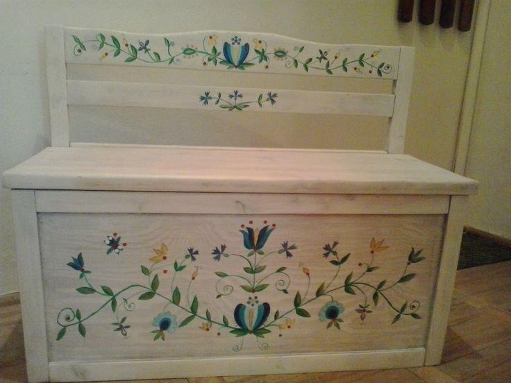 skrzynia, malowana ręcznie, wzór haft kujawski