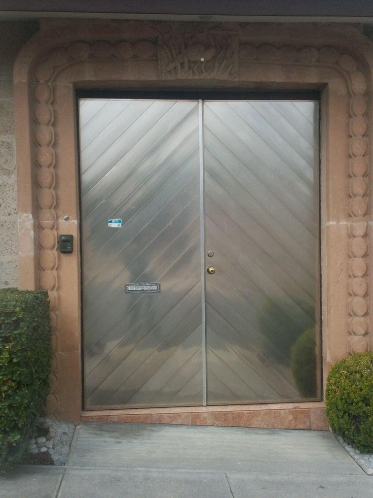 33 best puerta de acceso images on pinterest exterior for Puerta acristalada exterior