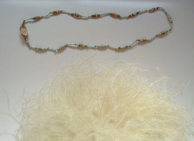 collana con perle di carta perline di vetro e inserti in metallo : Collane di elenalucc
