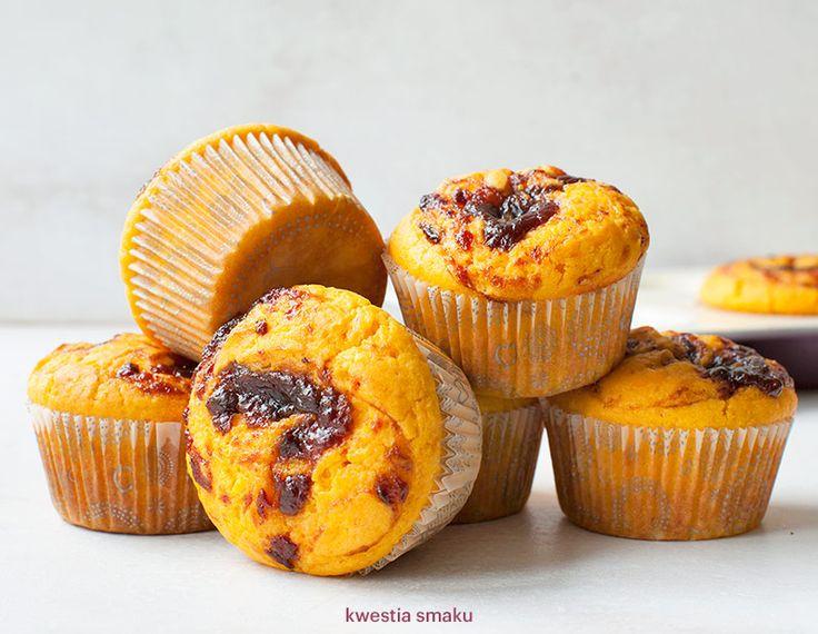 Muffinki dyniowo-pomarańczowe z musem śliwkowym