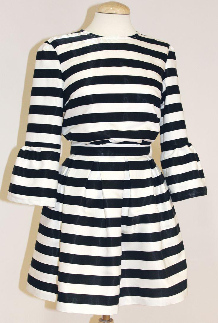Conjunto de RAYAS BelleChic para este verano! Blusa con manga acampanada y falda a juego  Blusa > http://www.colettemoda.com/categoria-producto/estilo/blusas-estilo/ Falda > http://www.colettemoda.com/producto/falda-rayas/  #colettepalencia #moda #estilo #verano #outfit