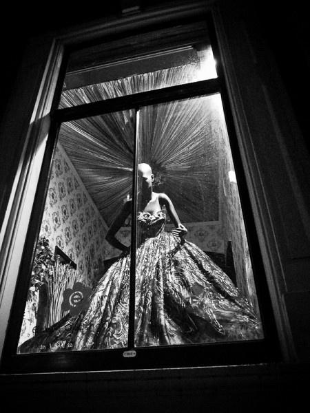 mannequin on exhibition ~Tomasz Ćwiertnia Photography