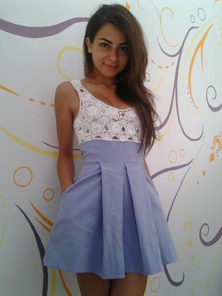 abito di cotone lilla, con corpetto fatto ad uncinetto con filo DMC    lilac cotton dress with crochet corset did with DMC thread