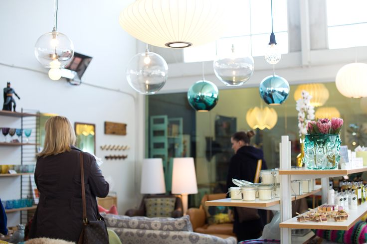 Shop with a stylist tour with #placesandgraces / #furniture #homewares #lighting #bobandfriends  / photo @capturedbykeryn