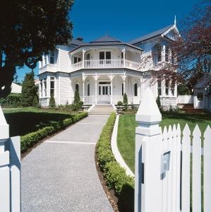 This restored Edwardian homestead is a local landmark in an inner-city suburb.