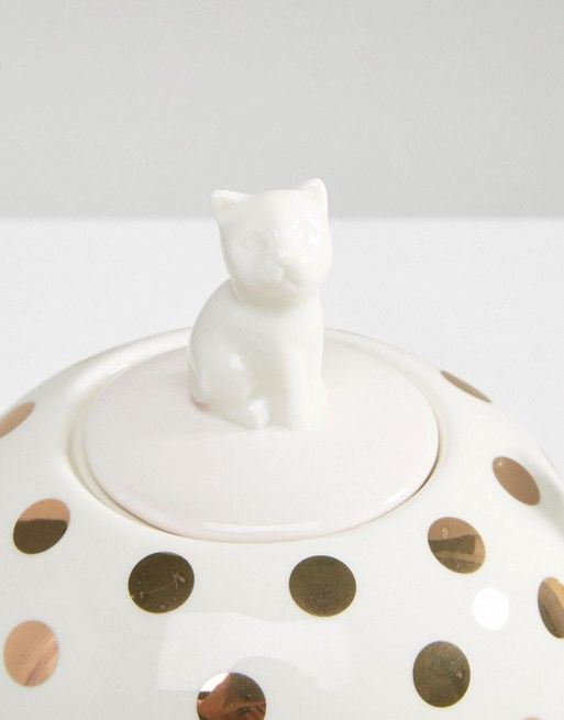 This cat teapot is adorable and the perfect feature to any Mum/Cat lovers tea catch ups!