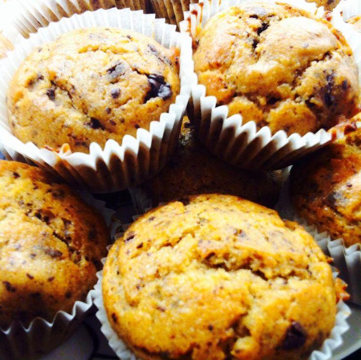 Muffin con mele, banana e cioccolato fondente   #vegan