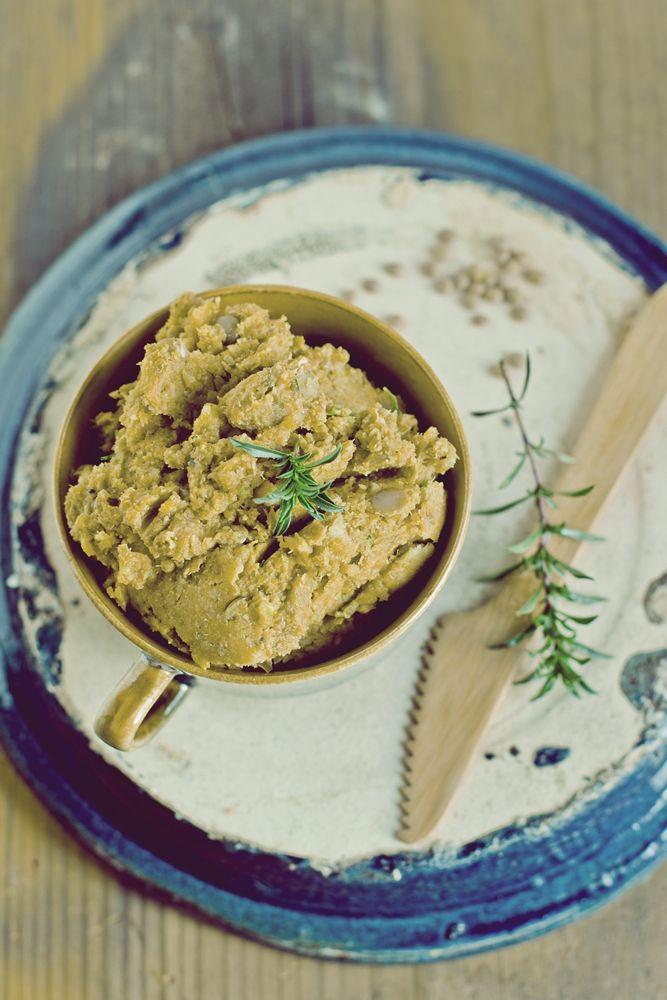 Zielenina: Pasta z soczewicy i warzyw korzeniowych z cząbrem (wegańska, bezglutenowa)