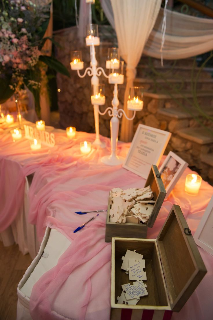 Wedding wishes table in pink and white / Τραπεζι ευχων γαμο ροζ και λευκό
