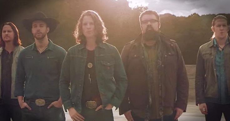The a cappella men of Home Free always bring talent and beautiful harmonies. And when you hear their rendition of Lee Greenwood's 'God Bless The USA' I couldn't help but sing along. What a touching tribute to our troops and country!