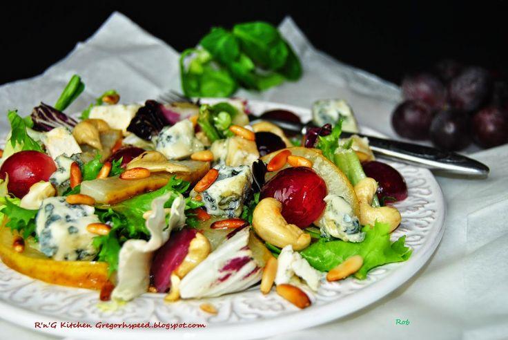 R'n'G Kitchen: Sałatka z gruszką i serem Roquefort
