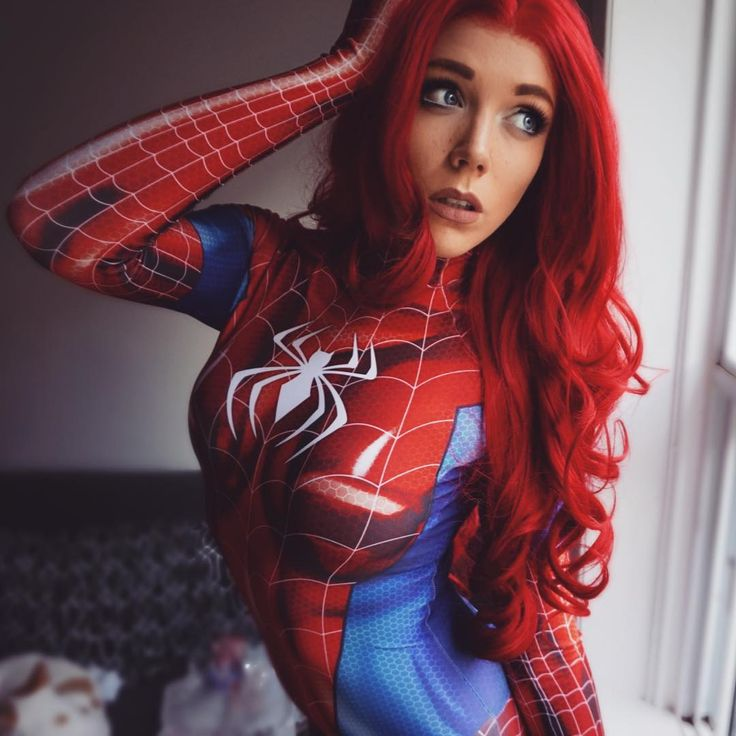 """1,448 mentions J'aime, 78 commentaires - Makenzie Smith•Bubbles Cosplay (@makenziesmith) sur Instagram : """"I have never been as obsessed with a suit as I am with this one. HOLY BALLS @brandonogilberto IS A…"""""""
