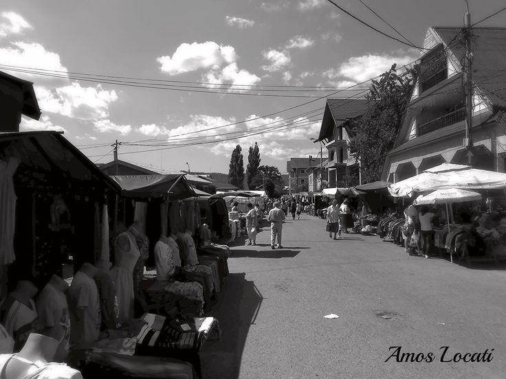https://flic.kr/p/osbi3D | Gura Humorului   -   Romania    - The Market | ph Amos Locati   2013