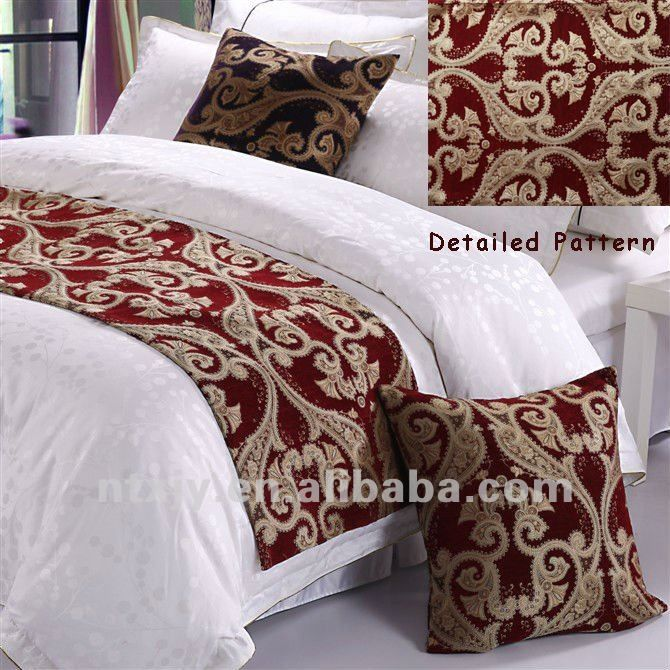 1000 ideas about bed runner on pinterest table runners quilts and quilt table runners. Black Bedroom Furniture Sets. Home Design Ideas