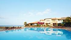 Porto Antigo, ett fint lägenhetshotell som ligger direkt vid havet. Kort avstånd till Santa Marias utbud av restauranger och små butiker.