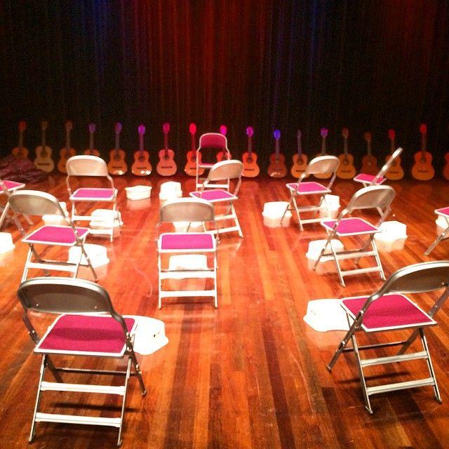 In de Kleine Zaal wordt Cultuur Lokaal 2014 dalijk afgetrapt met een workshop gitaar verzorgd door het CKC. #cultuurlokaal (bij Stadstheater Zoetermeer) // Fotograaf/photographer Eelco Coers //
