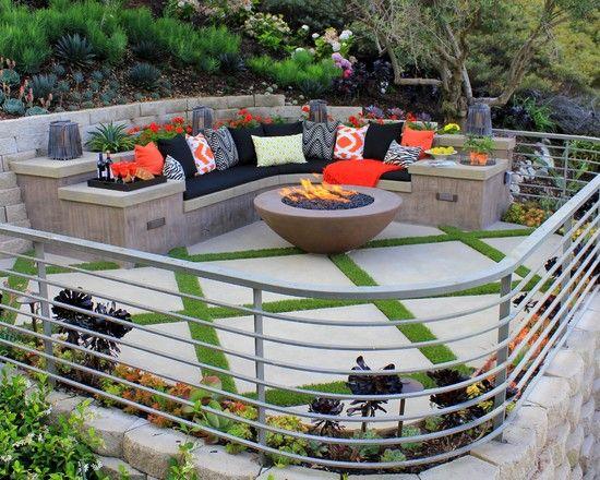 Sitzecke im Freien Terrasse Metall Geländer Betonbank