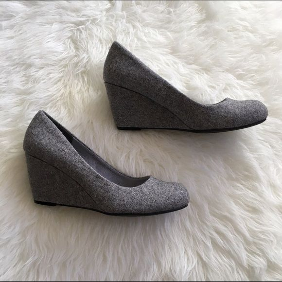 NWOT Nima Flannel Wedge Pump ⚜NWOT gray wedges                                            ⚜Soft fabric                                                             ⚜These are the most comfortable wedges ever!                                                                          ⚜MAKE ME AN OFFER! CL by Laundry Shoes Wedges