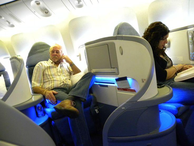 SeatGuru Seat Map Air Canada Airbus A330-300 (333) V1
