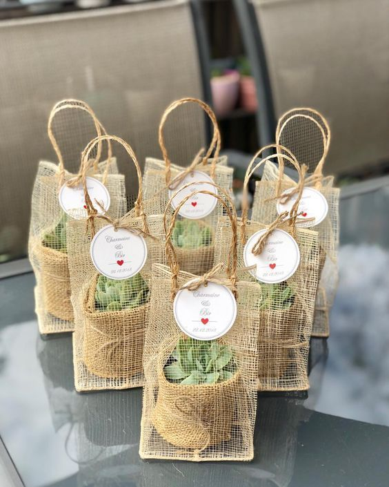 How To Pick Meaningful And Cheap Wedding Favors---rustic