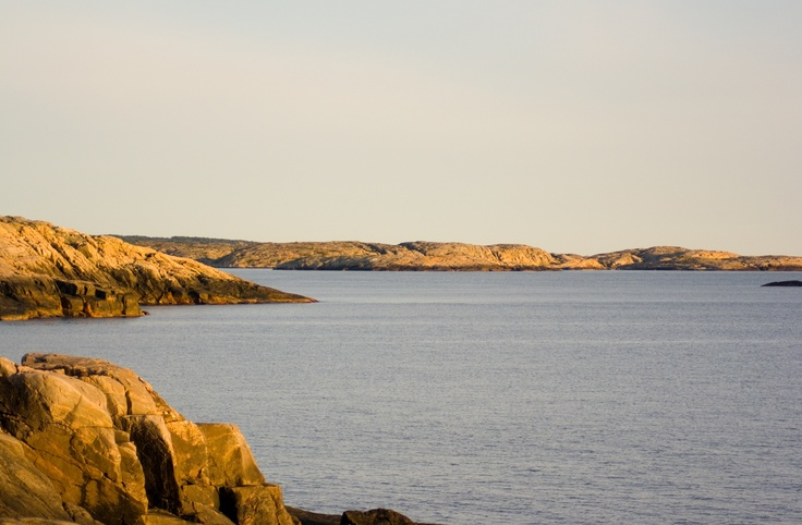 Kvällssol på klipporna i Saltvik. Foto: Henrik.