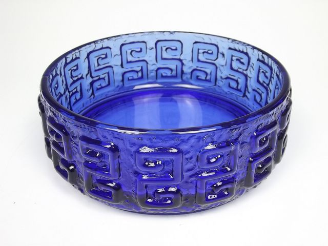 Riihimaki 'Taalari' blue glass bowl. Designed by Tamara Aladin | Flickr - Photo Sharing!
