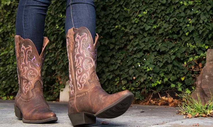 How to Wear Boots with Jeans: http://www.countryoutfitter.com/style/wearing-boots-with-jeans/?lhb=style