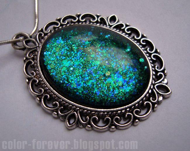 Lakierowa biżuteria: wisiorek morskie głębiny